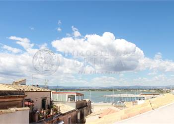 3+ bedroom apartment for Sale in Siracusa